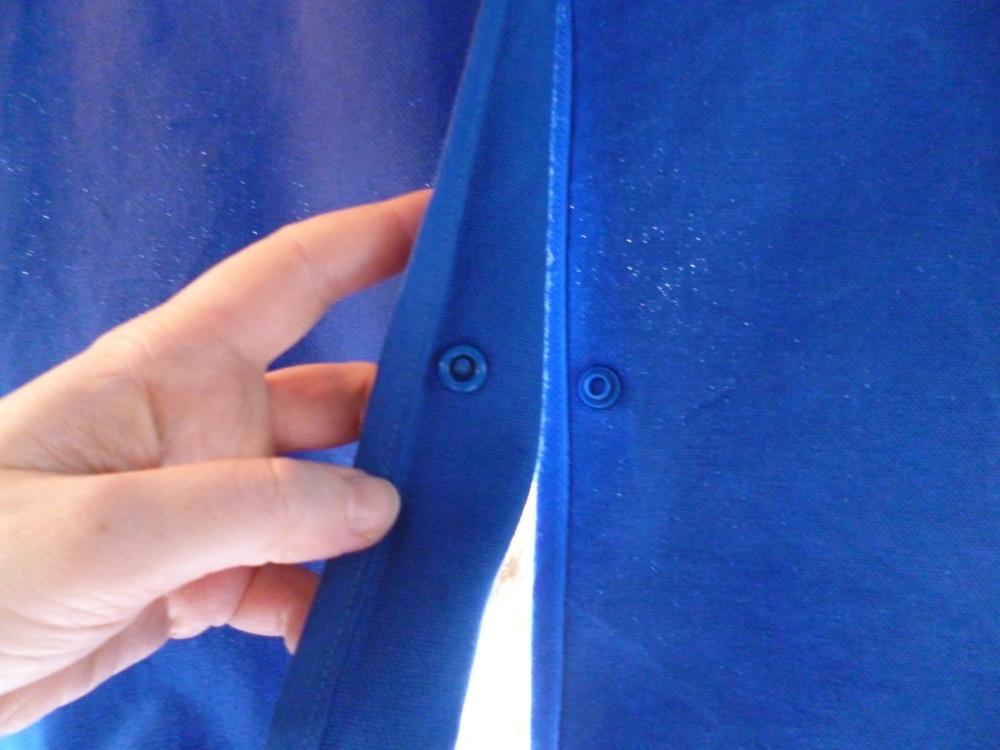 Verbindung der Vorhanghälften in der Mitte per Druckknopf