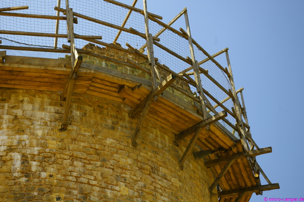 Baugerüste nach mittelalterlichem Vorbild, die auch heutigen Sicherheitsstandards genügen müssen