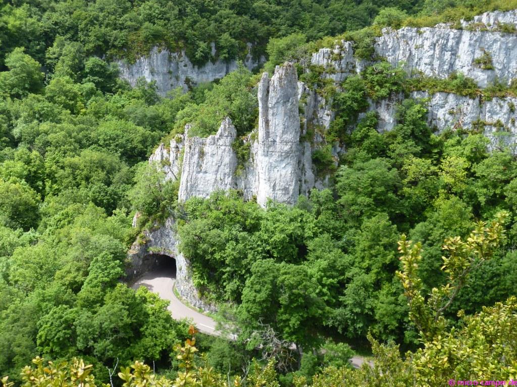 Felsentor in der Schlucht von Lavaux